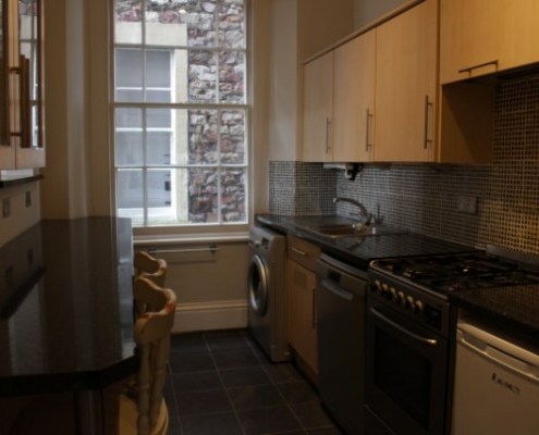 Galley style kitchen 2 bed beautiful flat