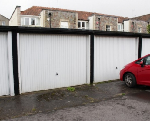 Garage and parking 2 bed beautiful flat